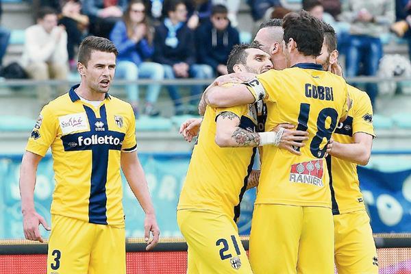 El Parma se encuentra en la zona de descenso en la Serie A de Italia. (Foto Prensa Libre: EFE).