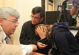 Arnoldo Medrano y su sobrina Manuela Osorio fueron ligados a proceso. (Foto Prensa Libre: Estuardo Paredes)