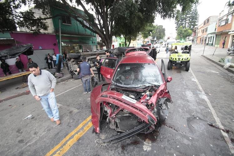 Los accidentes de tránsito fueron los más atendidos el 24 de diciembre. (Foto Prensa Libre: Hemeroteca PL)