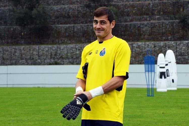 Iker se encuentra motivado por disputar con su nuevo equipo una nueva fase en la Champions League. (Foto Prensa Libre: Facebook Iker Casillas)