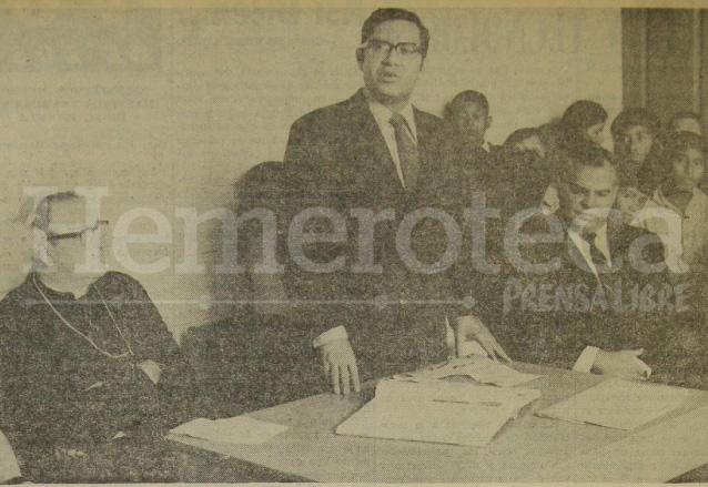 Alejandro Maldonado Aguirre, hoy Presidente de la República, en sus primeros años en política. (Foto: Hemeroteca PL)