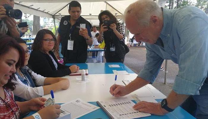Guatemala vota en referéndum sobre litigio territorial con Belice