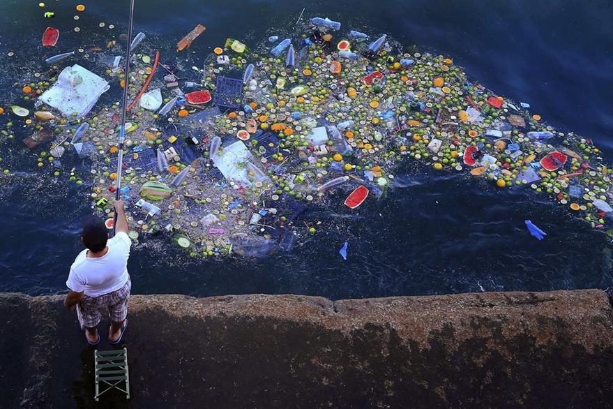 El plástico en los océanos es uno de los grandes problemas ecológicos de la humanidad. (Foto Prensa Libre: AP).
