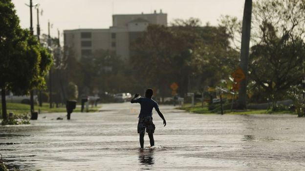 El huracán Irma causó numerosas inundaciones durante este fin de semana en Florida, el tercer estado más poblado de Estados Unidos. GETTY IMAGES