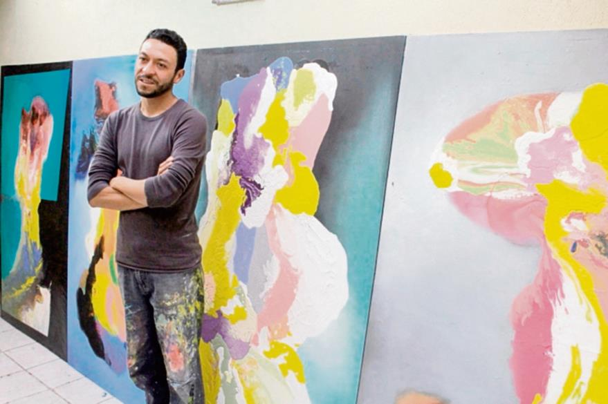 El artista  José Molina Salazar usa el  surrealismo y cubismo para representar sus obras.