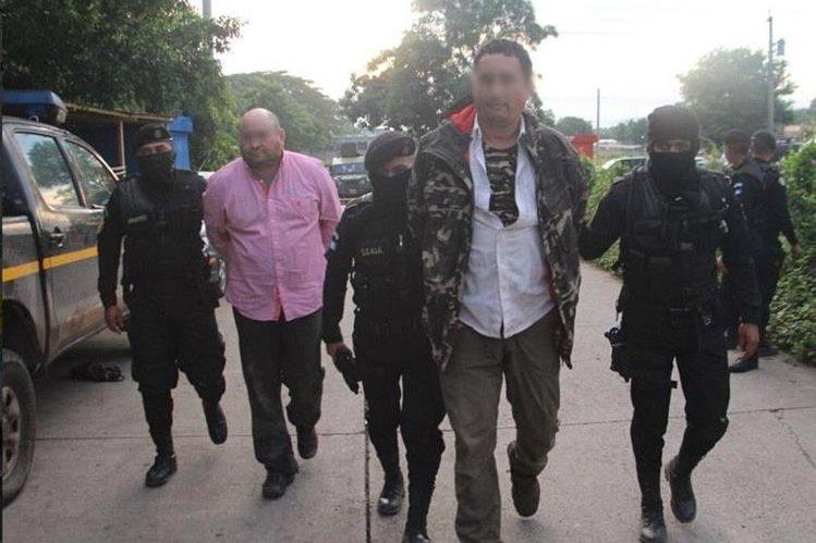 Dos hombres de nacionalidad mexicana fueron detenidos por la Fuerza de Tarea Xinca, en Jutiapa, sindicados de narcotráfico. (Foto Prensa Libre: PNC)