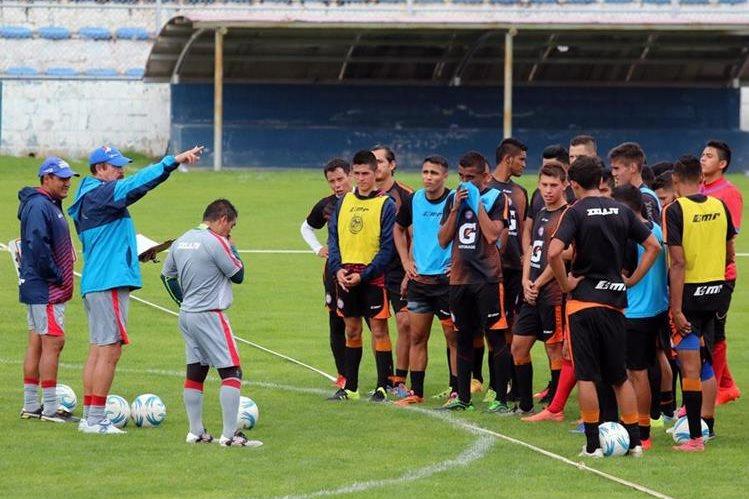 Xelajú MC intenta encontrarse con un resultado positivo en la próxima jornada. (Foto Prensa Libre: Carlos Ventura)