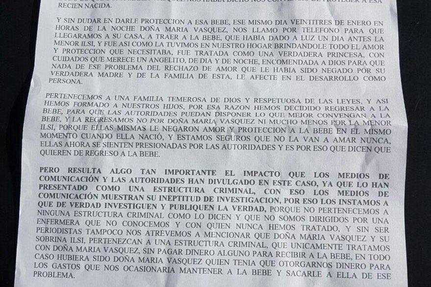 La nota que fue abandona junto a la menor detalla la forma como supuestamente ocurrieron los hechos. (Foto Prensa Libre: Rolando Miranda)