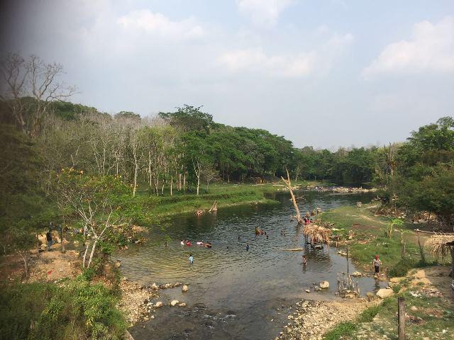 El río   Subín, en Las Cruces, Petén, fue desviado en el 2010, pero retomó su cauce. (Foto Prensa Libre: Rigoberto Escobar)