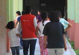 La mayoría de niños adoptables son mayores de 7 años, pero las familias prefieren bebés. (Foto Prensa Libre: Hemeroteca Pl)