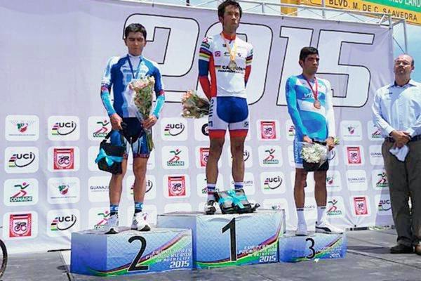 Manuel Rodas durante la premiación de la prueba Contrarreloj del Campeonato Panamericano de Ruta. (Foto Prensa Libre: Twitter)