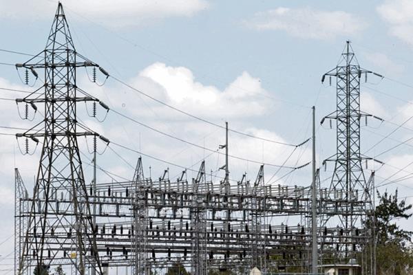 Los precios de la electricidad para los usuarios de la Eegsa, Deorsa y Deocsa cambiarán el 1 de mayo próximo.
