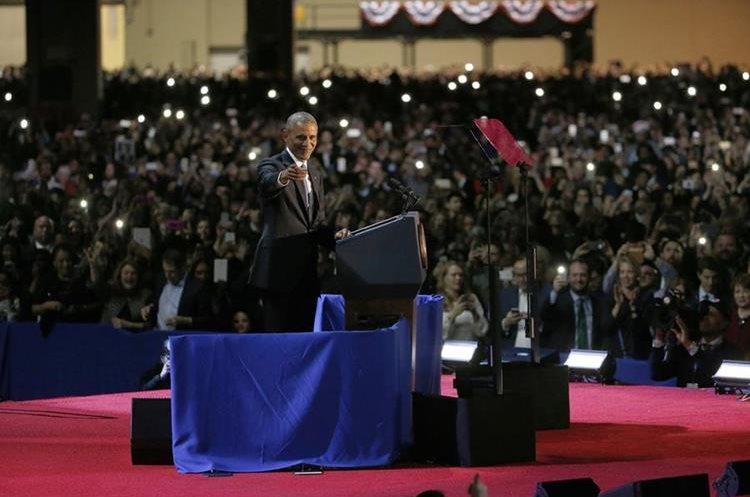 """Obama formuló un dramático llamado a la unión """"más allá de nuestras diferencias""""."""