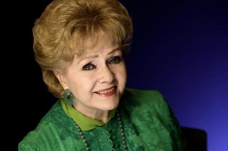 Debbie Reynolds se encuentra en estado delicado y bajo observación por un posible infarto. (Foto Prensa Libre: AP)