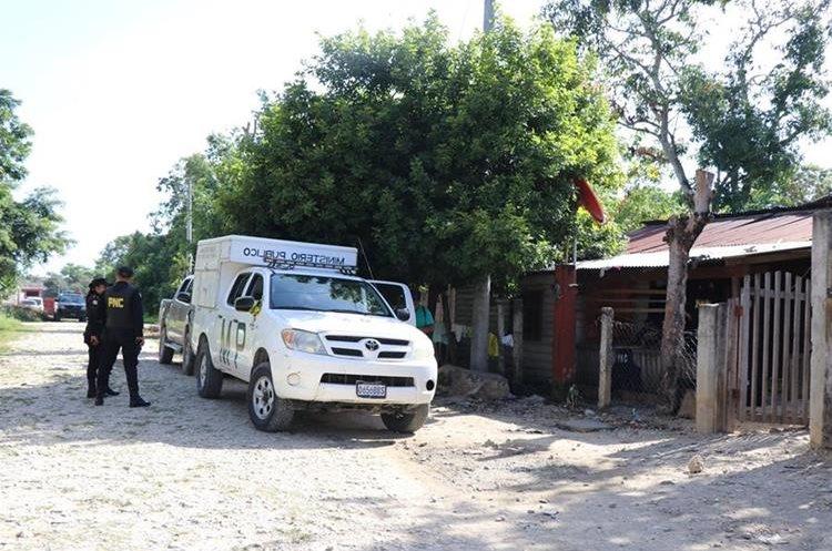 En los allanamientos no se reportaron capturas.(Prensa Libre:Rigoberto Escobar)