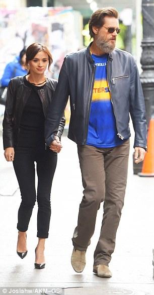 Foto de archivo en la que se ve juntos a Cathriona White y el actor Jim Carrey.  (Foto Prensa Libre: Hemeroteca PL).