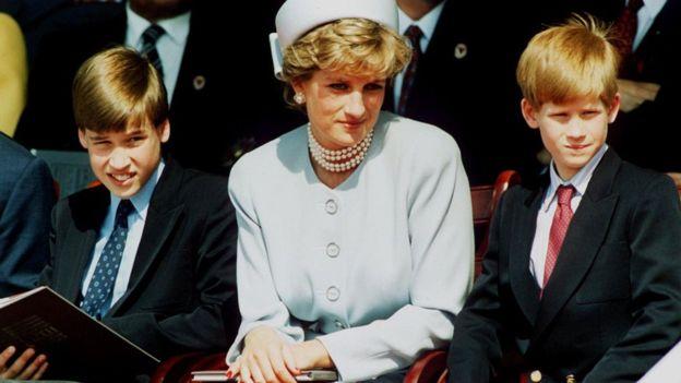Diana falleció en un accidente de tráfico en París en 1997, cuando Enrique tenía 12 años. (Foto Prensa Libre: BBC).