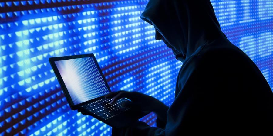 Un ataque masivo coordinado por hackers fue la causa de que usuarios de todo el mundo no pudieran acceder este viernes a varios servicios y portales. (Foto Prensa Libre: Moment Editorial/Getty Images).