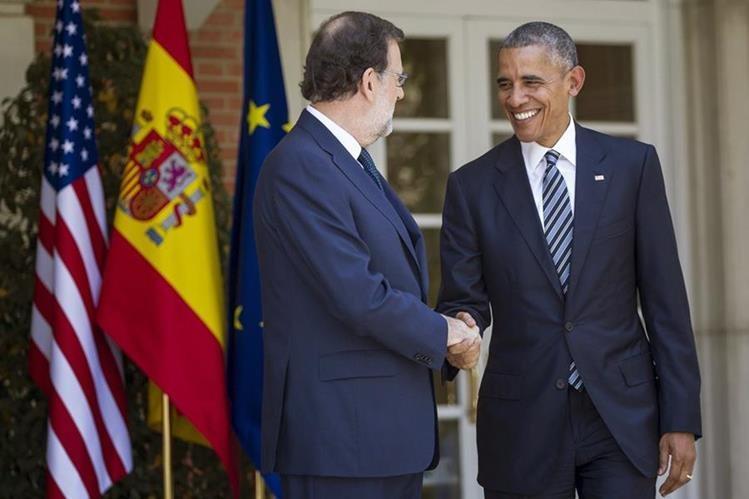 Mariano Rajoy (i), recibe al presidente de EE, UU., Barack Obama. (Foto PL: AFP)