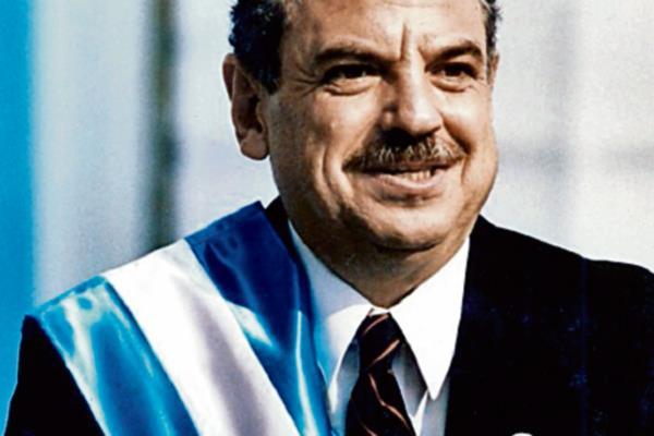 Jorge Serrano, al asumir la presidencia en 1991.