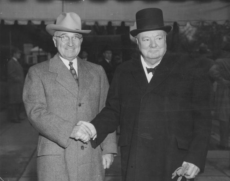 Harry Truman -i- y el primer ministro inglés Winston Churchill. (Foto: Internet)