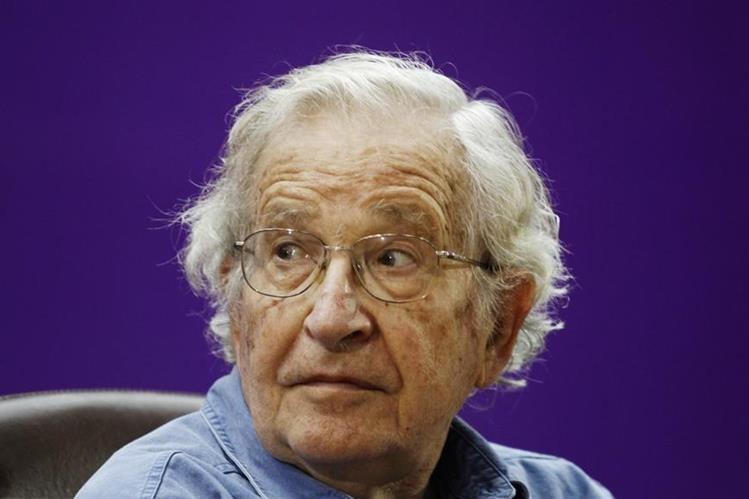 Noam Chomsky, filósofo y activista. (Foto Prensa Libre: AP).