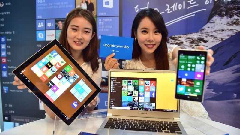 Según los expertos, uno de los errores de Microsoft ha sido su estrategia de intentar trasladar sus éxitos en los equipos de escritorio a los dispositivos móviles. (AFP/Getty Images).