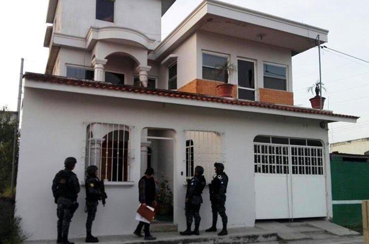 Una de las residencias que fue allanada. (Foto Prensa Libre: MP)