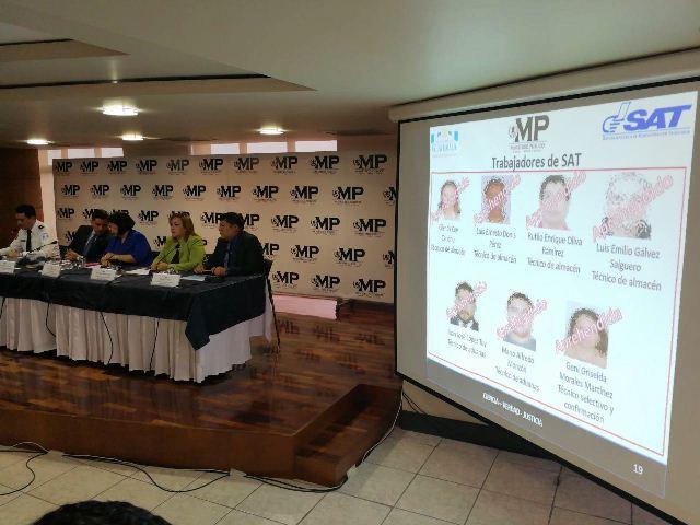 Autoridades del Ministerio Público dan detalles de las capturas por fraude al fisco. (Foto Prensa Libre: Esbin García)