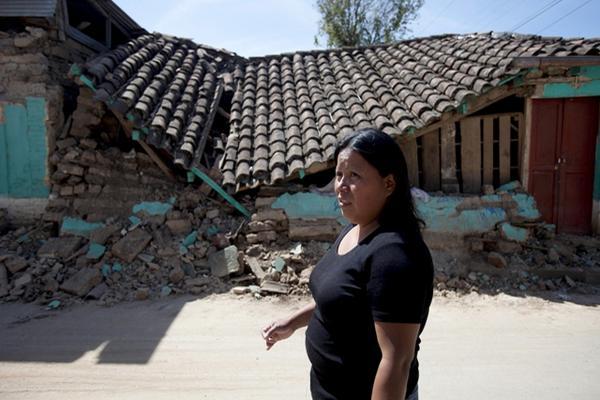 <p>Daños registrados por terremoto en San Cristobal Cucho. (Foto Prensa Libre: Archivo)</p>