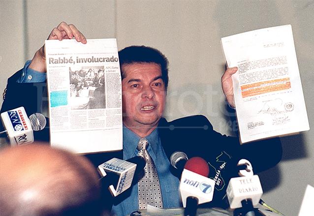 Luis Rabbé, en ese entonces ministro de Comunicaciones, insistía en afirmar que no existía monopolio televisivo, además de atacar a la Prensa. (Foto: Hemeroteca PL)