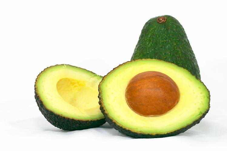 El aguacate es rico en ácidos grasos oleicos, comparados a los del aceite de oliva.