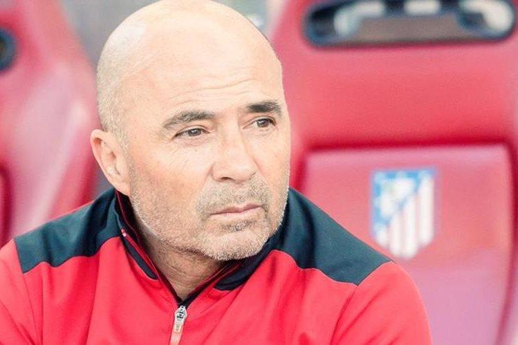 Jorge Sampaoli es uno de los técnicos que los argentinos quieren en su selección. (Foto Prensa Libre: Twitter)