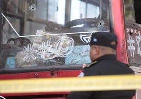 Los ataques a pilotos del transporte urbano han sido constantes este año.(Foto Prensa Libre: Hemeroteca PL)