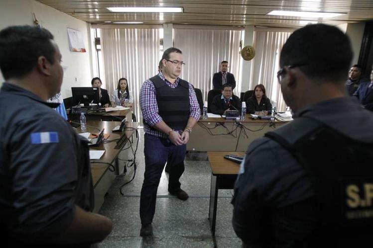 Javier Duarte, exgobernador de Veracruz, México, capturado en Guatemala, asiste a la audiencia para ver proceso de extradición. (Foto Prensa Libre: HemerotecaPL)
