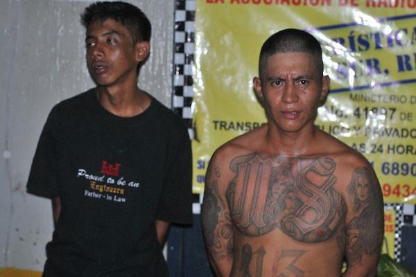 Los  capturados, en la Comisaría 34 de  Retalhuleu.