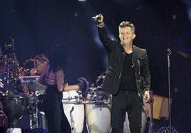 """Alejandro Sanz en su concierto """"Más es más"""", que se estrenó este fin de semana (Foto Prensa Libre: EFE)."""