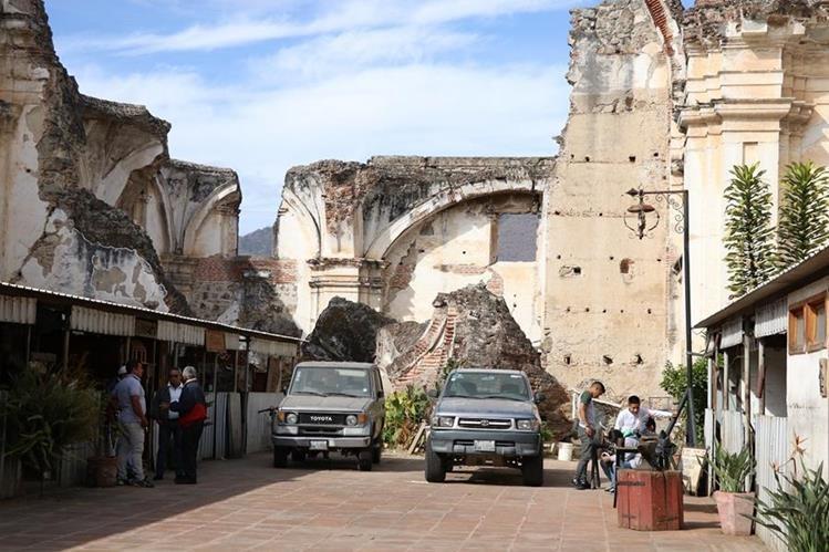 La escuela taller está ubicada en el templo de la Compañía de Jesús de Antigua Guatemala, Sacatepéquez. (Foto Prensa Libre: Julio Sicán)