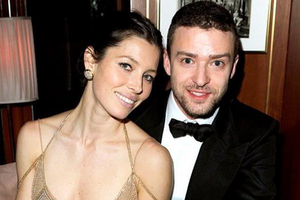 Justin Timberlake y Jessica Biel anuncian que esperan a su primer bebé.