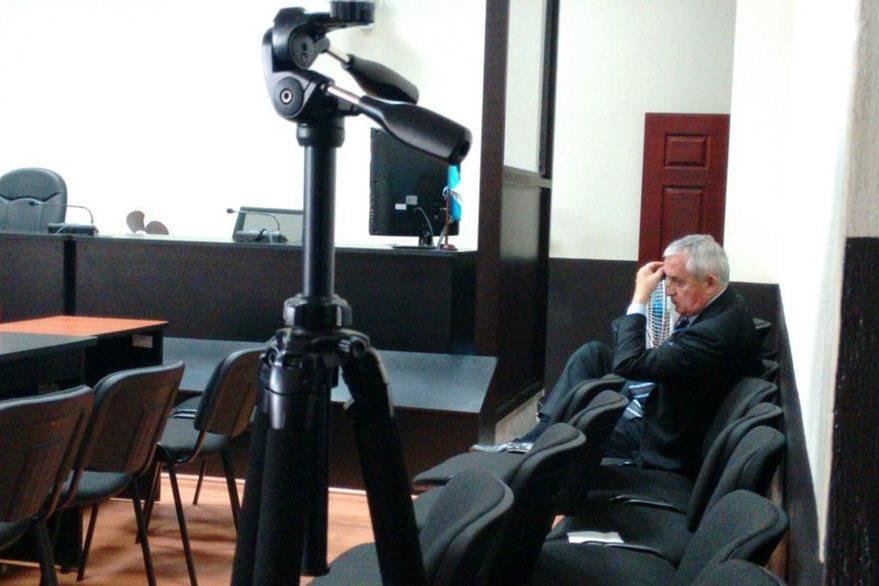 Otto Pérez Molina durante una audiencia en la que se conoce su implicación en la red La Línea. (Foto Prensa Libre: Hemeroteca PL)