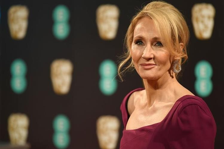 Joanne Rowling, conocida como J.K. Rowling, es una escritora británica de 51 años, famosa por haber creado la saga de Harry Potter. (Foto Prensa Libre: AFP).