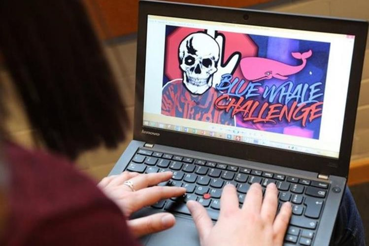 Varios países buscan alertar a los padres para que los menores sean vigilados en Internet, por el peligro reto. (Foto Prensa Libre: DR / Corsematin)