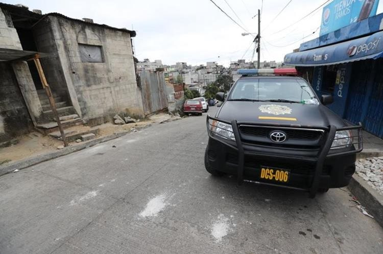Hasta ahora siete adultos y dos menores han sido capturados. (Foto Prensa Libre: Erick Ávila)