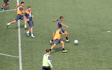 Los cremas realizaron un entrenamiento en el estadio Cementos Progreso, este lunes, para preparar los duelos contra Marquense. (Foto Prensa Libre: Francisco Sánchez).