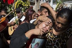 El 8 de marzo 34 jóvenes murieron calcinadas en el Hogar Seguro Virgen de la Asunción de Guatemala, y cuatro días después la cifra era ya de 40. AP