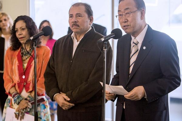 """<p>El secretario general de la ONU Ban Ki-Moon (derecha), durante su visita a Nicaragua. (Foto Prensa Libre: AFP).<br _mce_bogus=""""1""""></p>"""