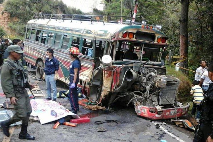 Los autobuses son los principales responsables de lesionados en hechos de tránsito. (Foto Prensa Libre: Hemeroteca PL)
