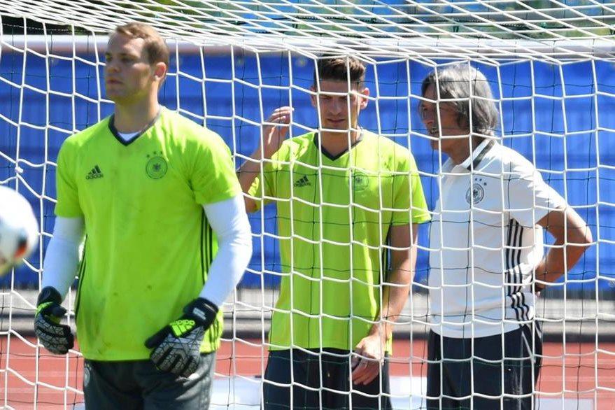 Manuel Neuer es el portero de Alemania y el Bayern Múnich. (Foto Prensa Libre: EFE)