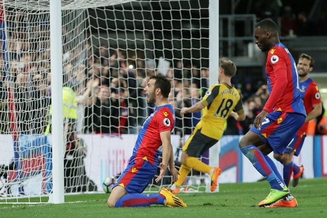 El Crystal Palace puso en más apuros al Arsenal. (Foto Prensa Libre: AP)