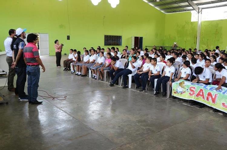 Estudiantes de Pajapita, Tecún Umán, San Pablo y San Marcos fueron capacitados. (Foto Prensa Libre: Whitmer Barrera)